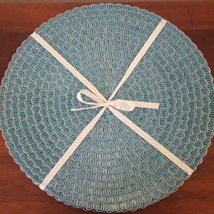 Table round linens, set of 4 tablemats